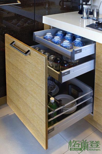 格蘭登廚具 現代極簡系列 實木薄片烤漆 台北作品 抽屜分層收納