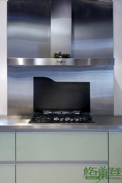 格蘭登廚具 現代極簡系列 烤漆玻璃 台北作品 加蓋電爐