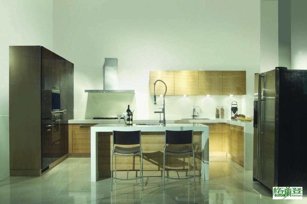 格蘭登廚具 現代極簡系列 實木薄片烤漆 台北作品 主圖正面