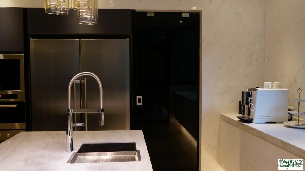 華美沉靜,原來廚房也能這麼美 新竹施公館案例 (現代廚房/開放式廚房 格蘭登新竹門市)