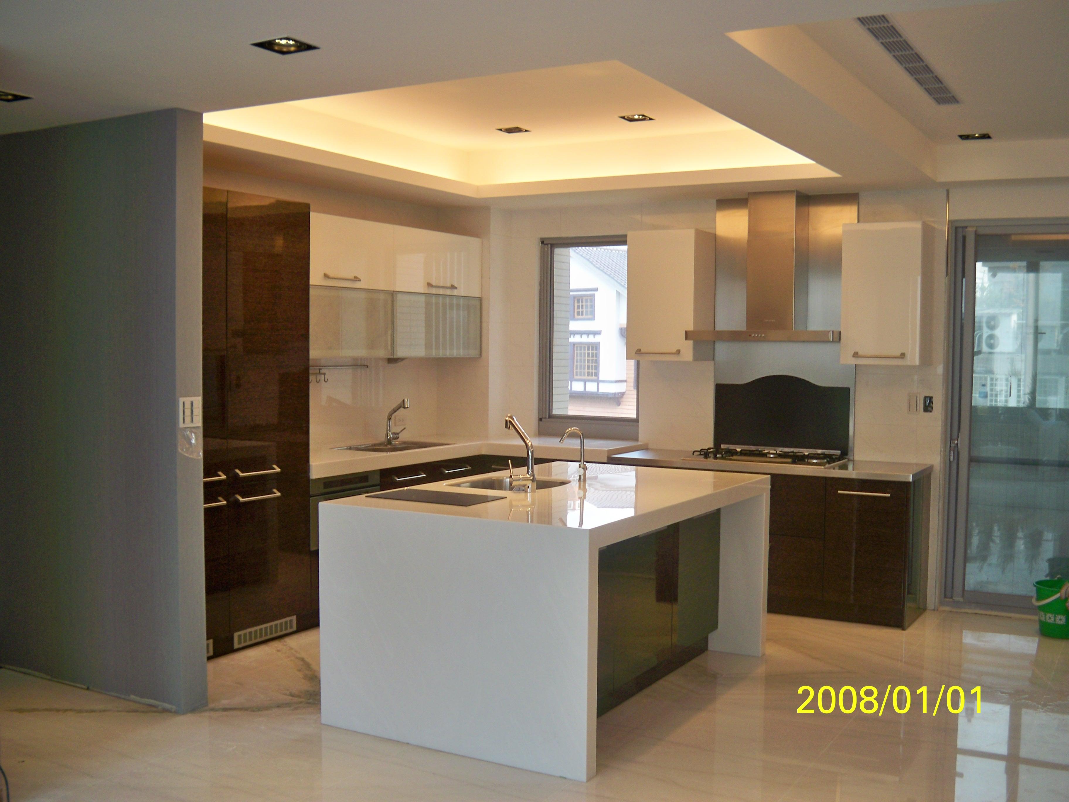 格蘭登台北門市案例 2010實木薄片烤漆 廚房施工照
