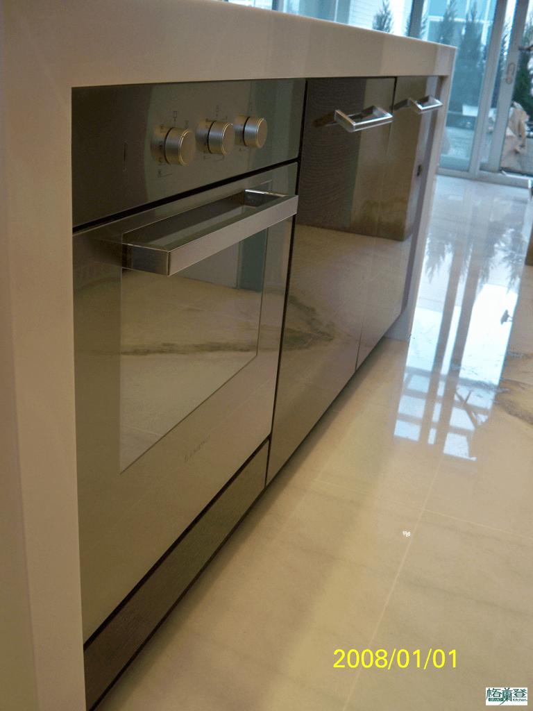 格蘭登台北門市案例 2010實木薄片烤漆 中島烤箱