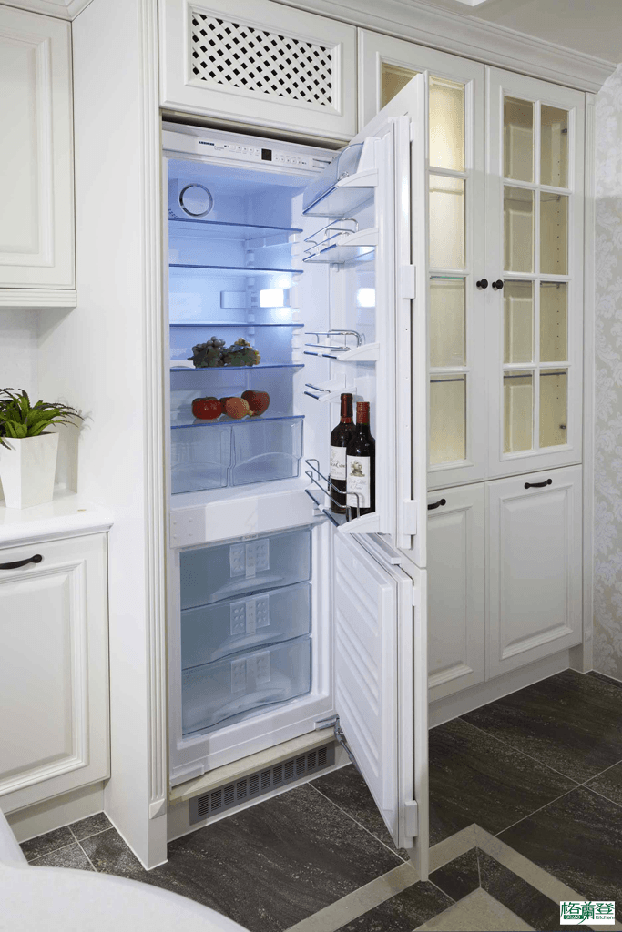 格蘭登台北門市案例 2013 實木烤白 廚房 嵌入式冰箱