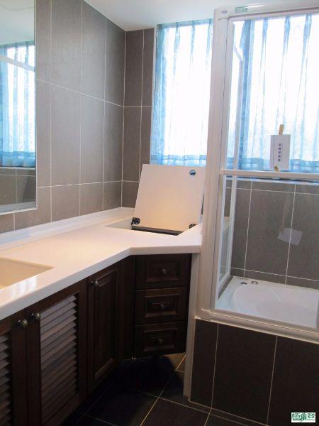 台北2016王先生案例 浴櫃與維修門