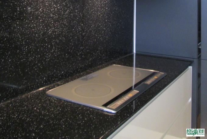 廚房檯面 人造石使用於檯面與背牆