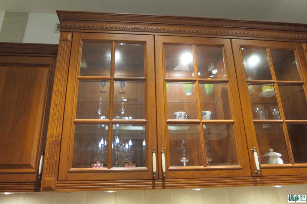 格蘭登廚具 古典實木系列 柚木 新竹作品 格子鑲嵌玻璃櫥們