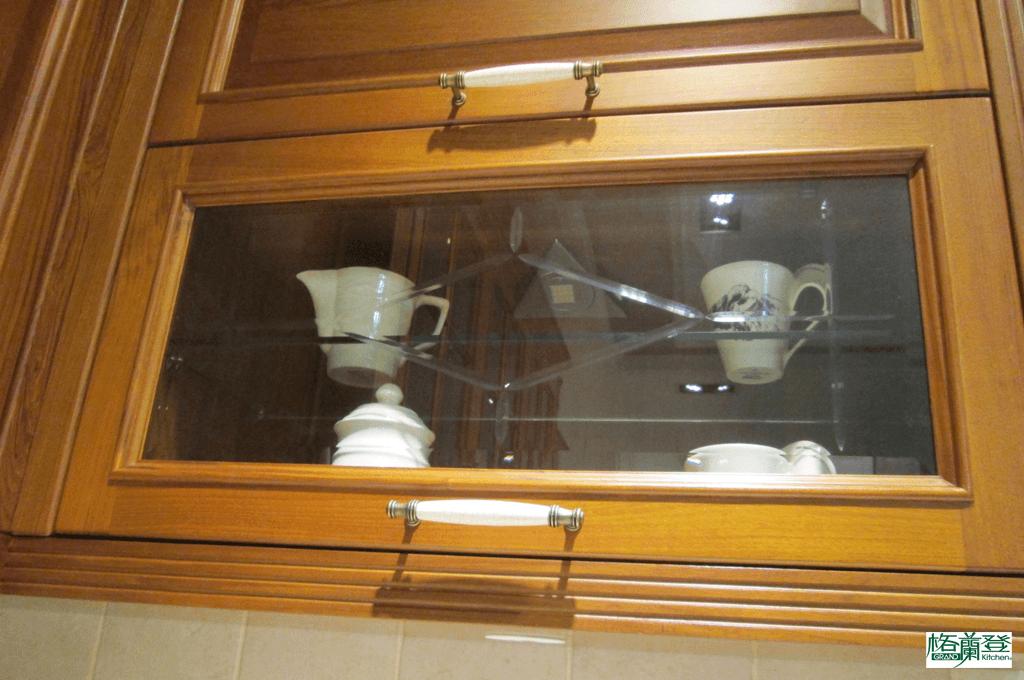 格蘭登廚具 古典實木系列 柚木 新竹作品 鑽石造型玻璃櫥門