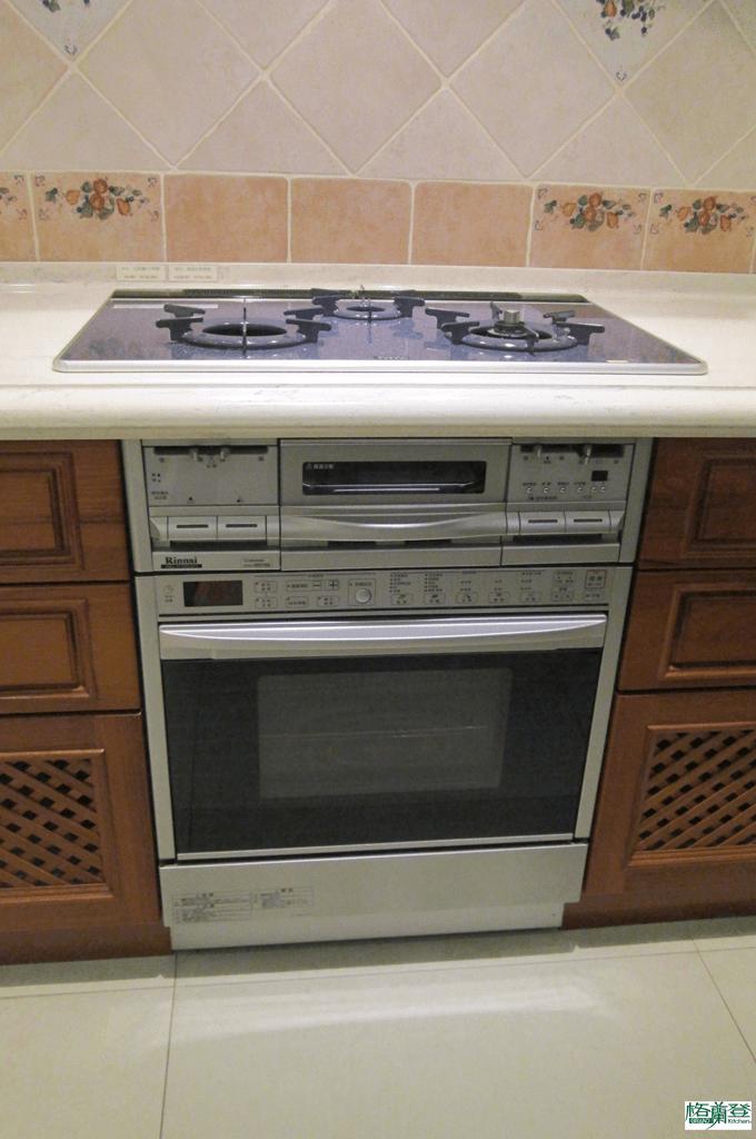 格蘭登廚具 古典實木系列 柚木 新竹作品 微波瓦斯烤箱