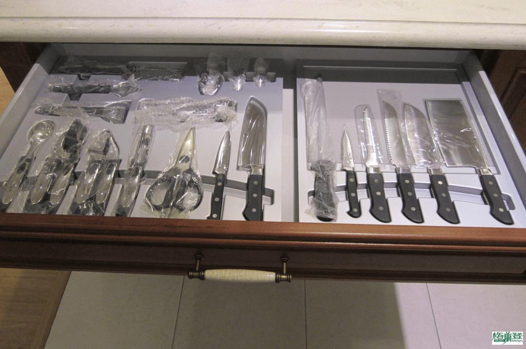 格蘭登廚具 古典實木系列 柚木 新竹作品 刀具收納