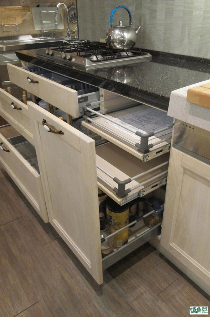 格蘭登廚具 古典實木系列 栓木 新竹作品 實用抽屜