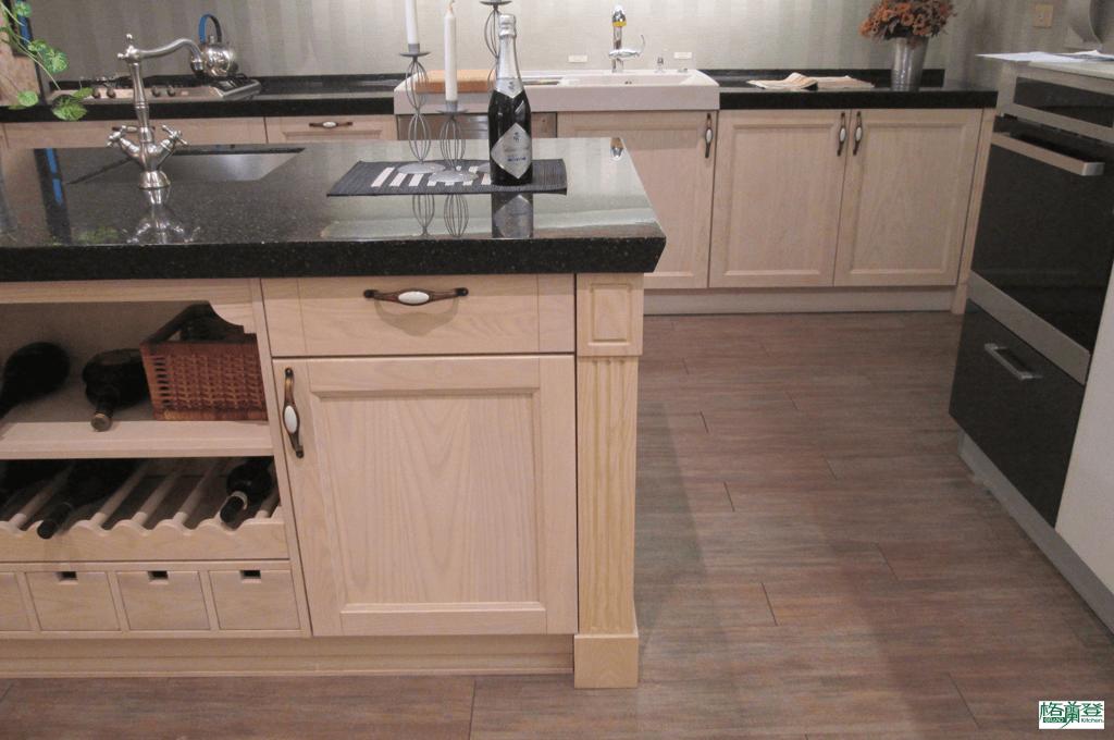 格蘭登廚具 古典實木系列 梣木 新竹作品 踢腳板比較