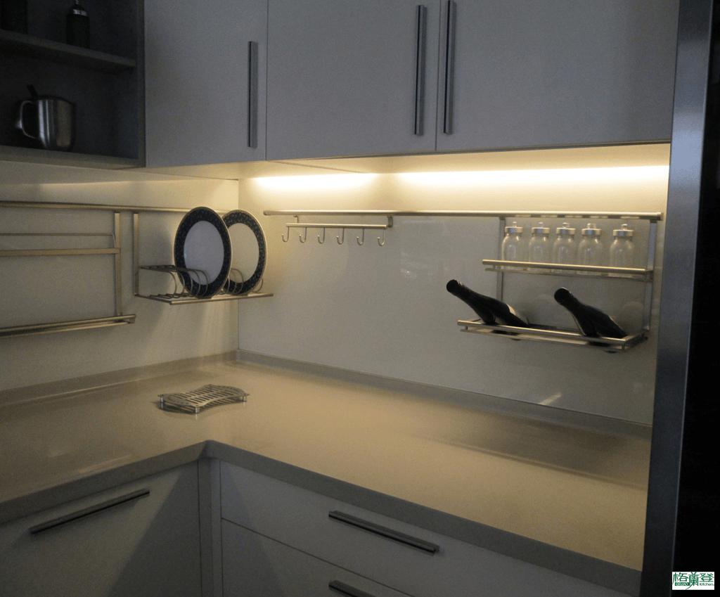 格蘭登廚具 現代極簡系列 陶瓷烤漆 新竹作品 儲櫃下照明
