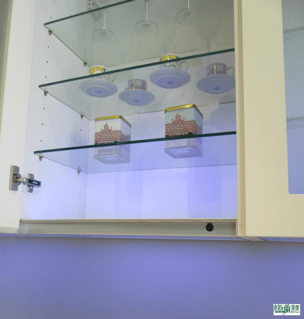 格蘭登廚具 現代極簡系列 陶瓷烤漆 新竹作品 儲櫃下照明LED燈