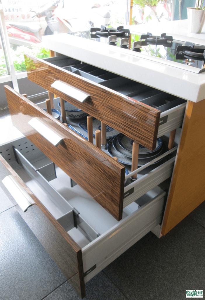 格蘭登廚具 現代極簡系列 新竹作品 樣品介紹 爐下大抽