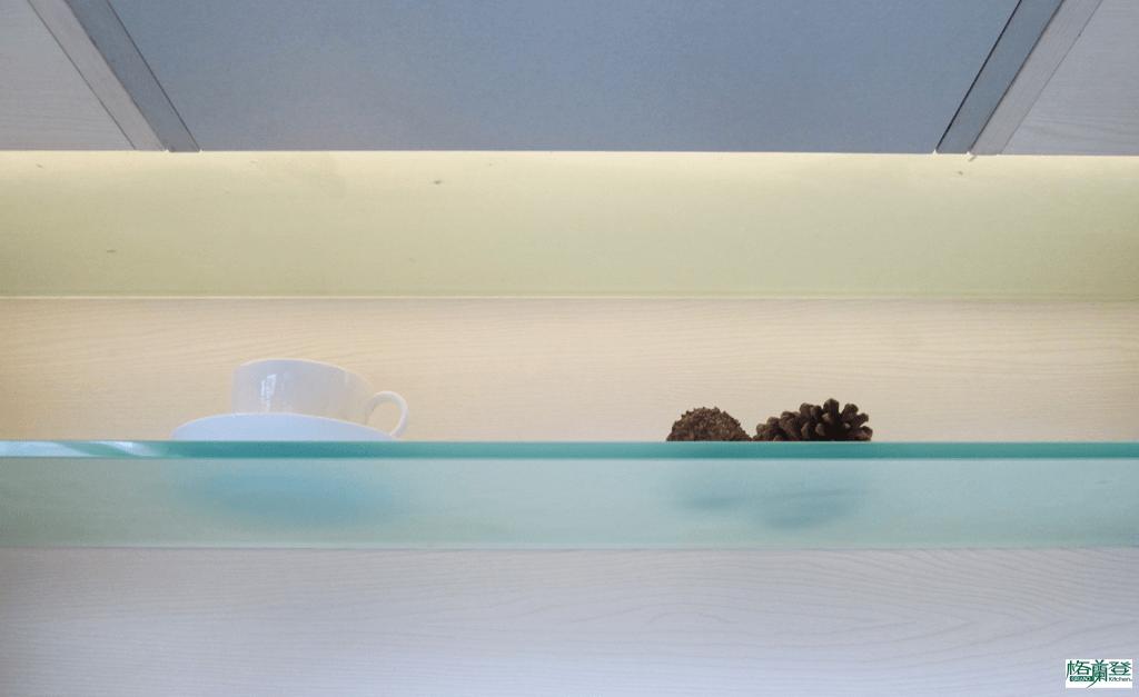 格蘭登廚具 現代極簡系列 新竹作品 樣品介紹 吊櫃前移照明