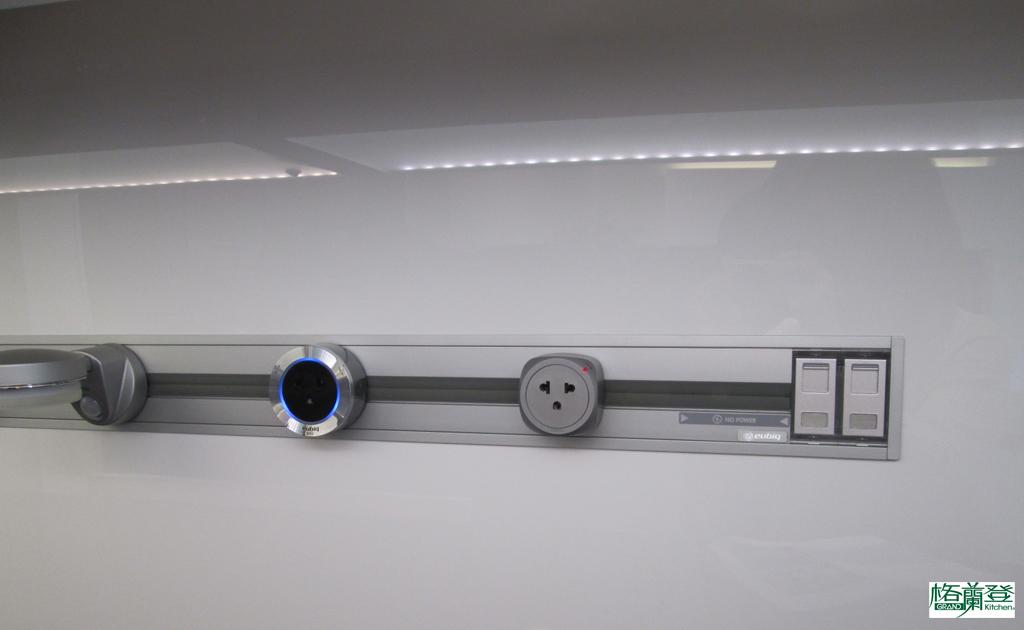 格蘭登廚具 現代極簡系列 新竹作品 移動式插座