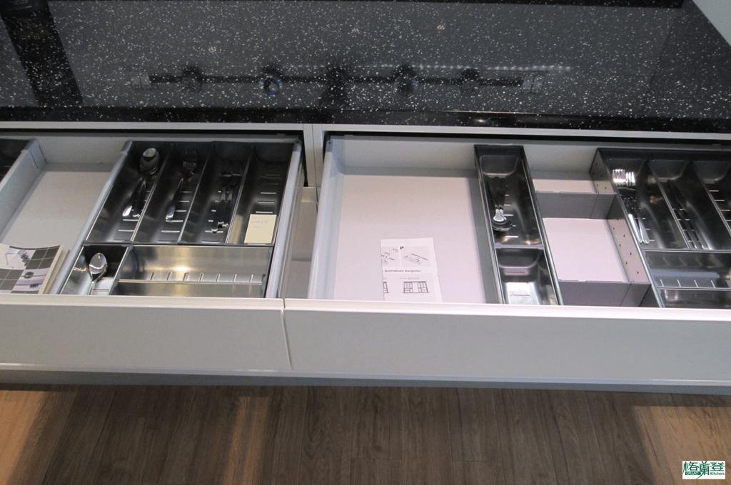 格蘭登廚具 現代極簡系列 新竹作品 Blum分隔盤
