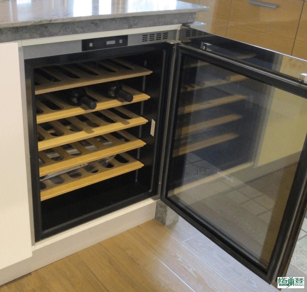 格蘭登廚具 現代極簡系列 新竹作品 紅酒冰箱
