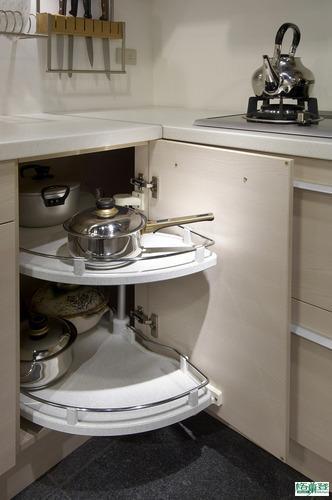 格蘭登廚具 現代極簡系列 梣木MFC 台北作品 德國Kesseboehmer貼心轉盤